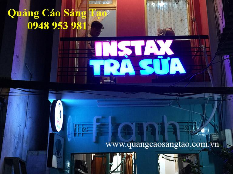 Bảng hiệu quán Trà sữa Instax