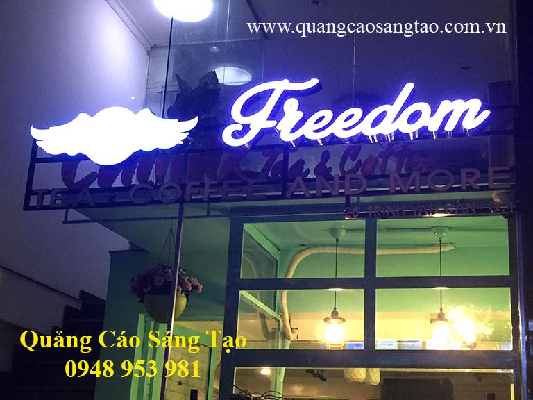 Bảng hiệu của quán Freedom - Tea, coffee and more